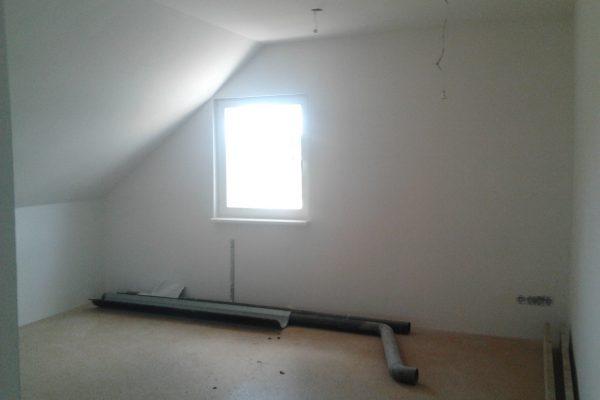 Výstavba RD Chomutov-výstavba domu na klíč -ÚED-Úsporně energetický dům-výplň modulů vatou | Malování a položení plovoucích podlah v patře - Malování a položení plovoucích podlah v patře