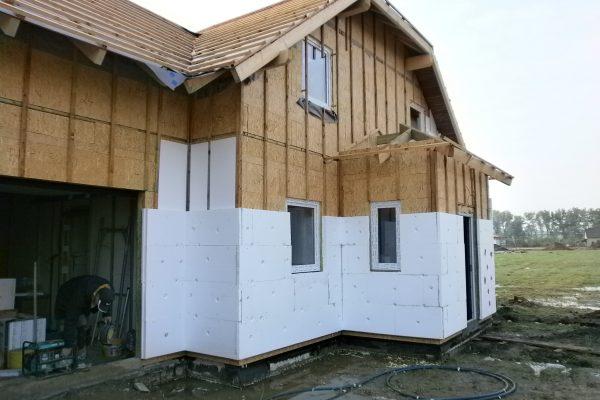 Výstavba RD Chomutov-výstavba domu na klíč -ÚED-Úsporně energetický dům-výplň modulů vatou | Zateplení domu mezi latě 3cm a poté na latě 5cm polystyrenu - Zateplení domu mezi latě 3cm a poté na latě 5cm polystyrenu