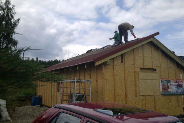 Výstavba RD Citice-výstavba domu na klíč !! Detailní fotogalerie stavby  !! | Montáž střešního šindele a klempířských prvků - Montáž střešního šindele a klempířských prvků
