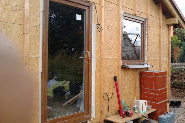 Výstavba RD Citice-výstavba domu na klíč !! Detailní fotogalerie stavby  !! | osazení venkovních dveří a oken - osazení venkovních dveří a oken