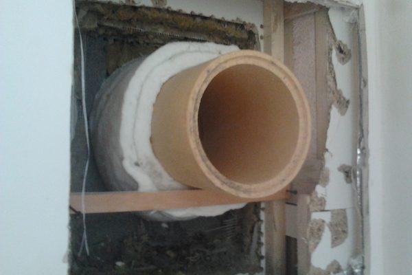 Výstavba RD Citice-výstavba domu na klíč !! Detailní fotogalerie stavby  !! | průraz vnitřní stěny modulů pro krbové kamna- vyplnění průrazu stěny speciální Bipe vatou do 1800 stupňů celsia - průraz vnitřní stěny modulů pro krbové kamna- vyplnění průrazu stěny speciální Bipe vatou do 1800 stupňů celsia