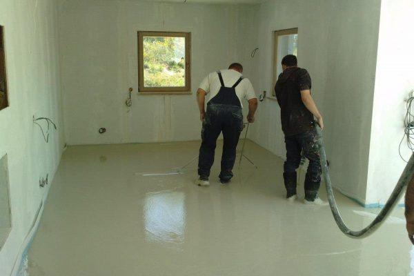 Výstavba RD Karlovy Vary-výstavba domu na klíč-moduly 30 cm  !! Detailní fotogalerie stavby  !! | Aplikace anhydritových podlah - Aplikace anhydritových podlah