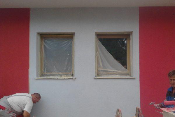 Výstavba RD Karlovy Vary-výstavba domu na klíč-moduly 30 cm  !! Detailní fotogalerie stavby  !! | Pohled na dokončené kompletní zateplení domu včetně barevné omítkoviny. - Pohled na dokončené kompletní zateplení domu včetně barevné omítkoviny.