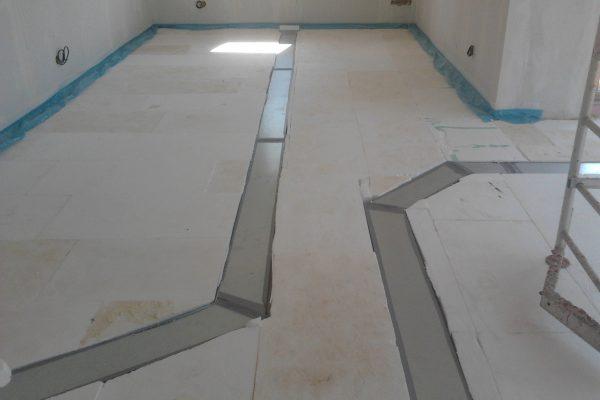 Výstavba RD Karlovy Vary-výstavba domu na klíč-moduly 30 cm  !! Detailní fotogalerie stavby  !! | Příprava podlah dilatačních pásů pro aplikaci anhydritových podlah - Příprava podlah dilatačních pásů pro aplikaci anhydritových podlah
