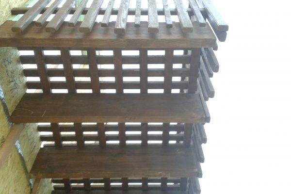 Výstavba RD Kly-výstavba domu na klíč | Montáž balkonu barva a lazura dle přání investora - Montáž balkonu barva a lazura dle přání investora