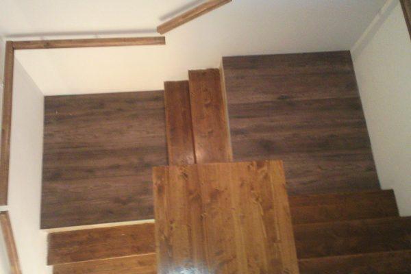 Výstavba RD Kly-výstavba domu na klíč | Montáž schodišťových stupnic a pod-stupnic včetně podest a zábradlí - Montáž schodišťových stupnic a pod-stupnic včetně podest a zábradlí