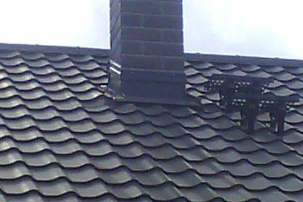 Výstavba RD Kly-výstavba domu na klíč | Osazení komínových prstenců a oplechování - Osazení komínových prstenců a oplechování