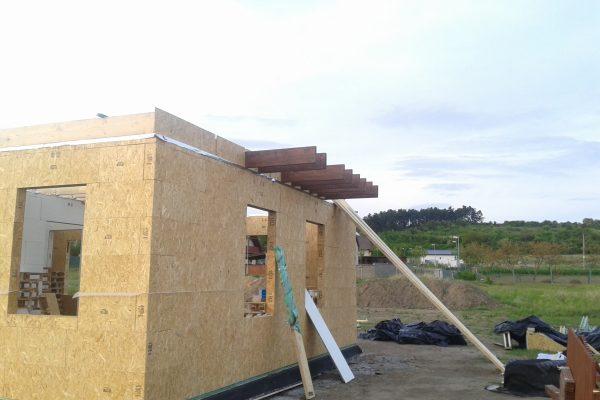 Výstavba RD Kly-výstavba domu na klíč | podlahy v patře dokončeny a začínáme stavbu modulů patra - podlahy v patře dokončeny a začínáme stavbu modulů patra