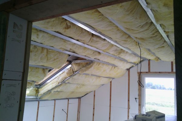 Výstavba RD Kly-výstavba domu na klíč | Zateplení podkroví 30cm - Zateplení podkroví 30cm