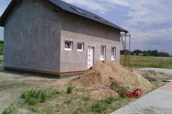 Výstavba RD Kly-výstavba domu na klíč | Zatmelení venkovního pláště, příprava na aplikaci omítko-viny - Zatmelení venkovního pláště, příprava na aplikaci omítko-viny
