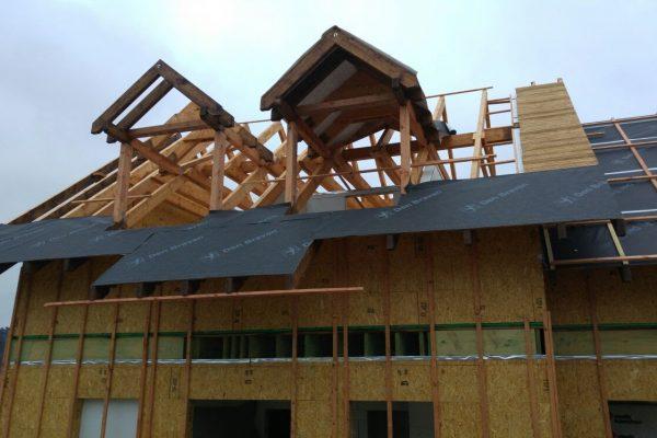 Výstavba RD Trubín-dřevostavba domu svépomocí- Čistá stavba – !! Stavba patra bez Koordinátora !! | Montáž střešní folie na domě - Montáž střešní folie na domě
