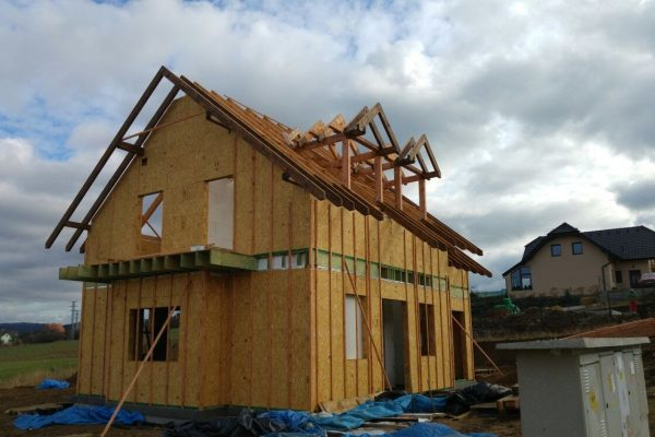 Výstavba RD Trubín-dřevostavba domu svépomocí- Čistá stavba – !! Stavba patra bez Koordinátora !! | Střešní  konstrukce (krov) -pokračování - Střešní  konstrukce (krov) -pokračování