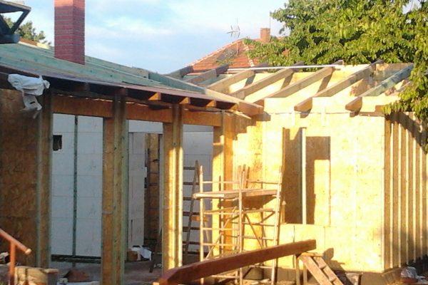 Výstavba RD Velim-výstavba domu na klíč | Montáž komínového tělesa s prstenci - Montáž komínového tělesa s prstenci