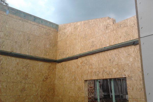 Výstavba RD Velim-výstavba domu na klíč | ukládání štítových modulů - ukládání štítových modulů