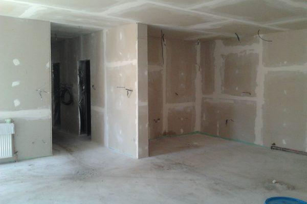 Výstavba RD Velim-výstavba domu na klíč | Ve vnitřních prostorech se zatím montovaly sdk kce - Ve vnitřních prostorech se zatím montovaly sdk kce