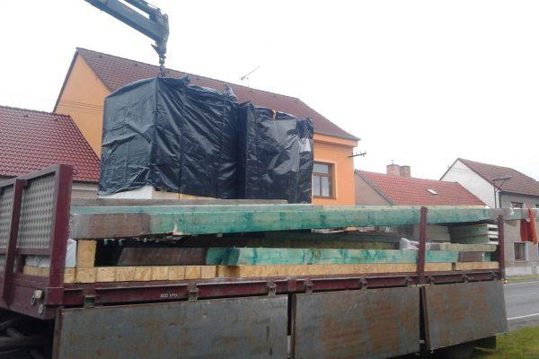 Výstavba RD Velim-výstavba domu na klíč | Vykládka stavebnice domu - Vykládka stavebnice domu