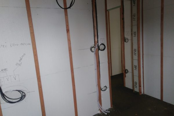 Výstavba RD Velká Hleďsebe-dřevostavba domu svépomocí |  - IMG_20170301_145028