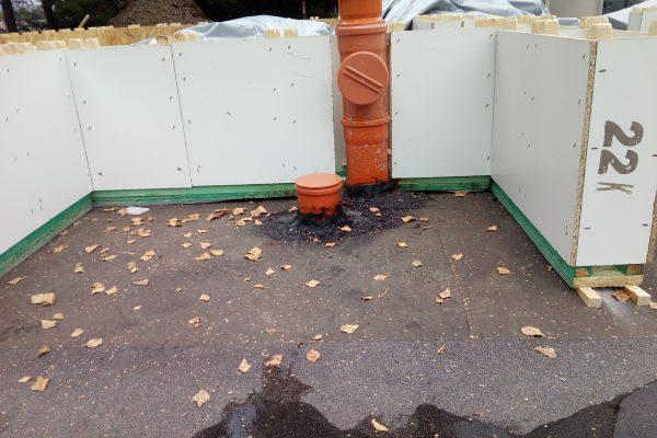 Výstavba RD Velká Hleďsebe-dřevostavba domu svépomocí | Odpady se dají umístit i do modulu a proříznutí modulu nemá na statiku žádný vliv - Odpady se dají umístit i do modulu a proříznutí modulu nemá na statiku žádný vliv